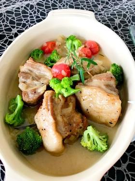 豚ブロック肉のハーブ煮込み