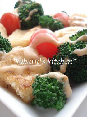 ひとくち揚げ豆腐のコロコロごまサラダ
