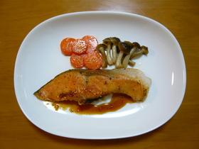 鮭ムニエルのソースにモランボン「ジャン」