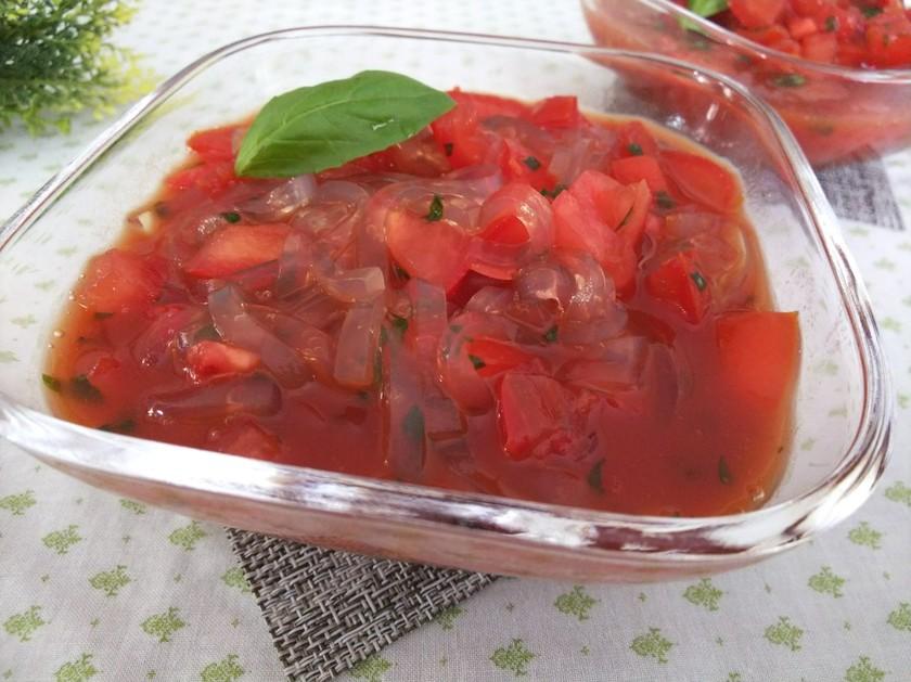 バジルが香るトマトなところてん