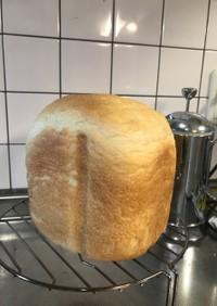 モチモチふわふわ食パン