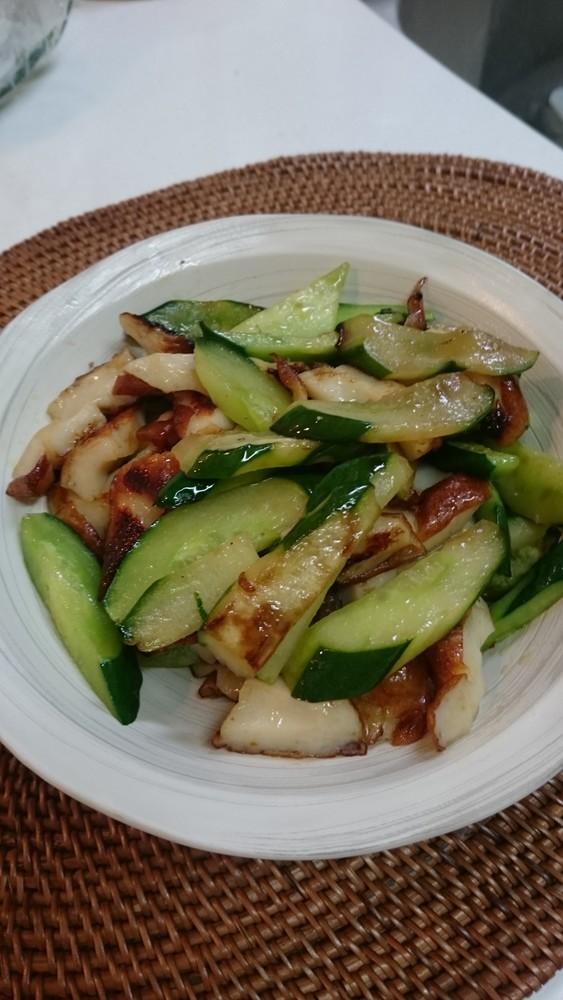 胡瓜と竹輪のおつまみ炒め