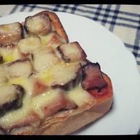 【焼豚のピザ風トースト】