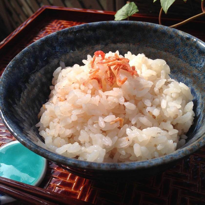 ポリ袋湯煎『桜海老と白ごまの炊き込みご飯
