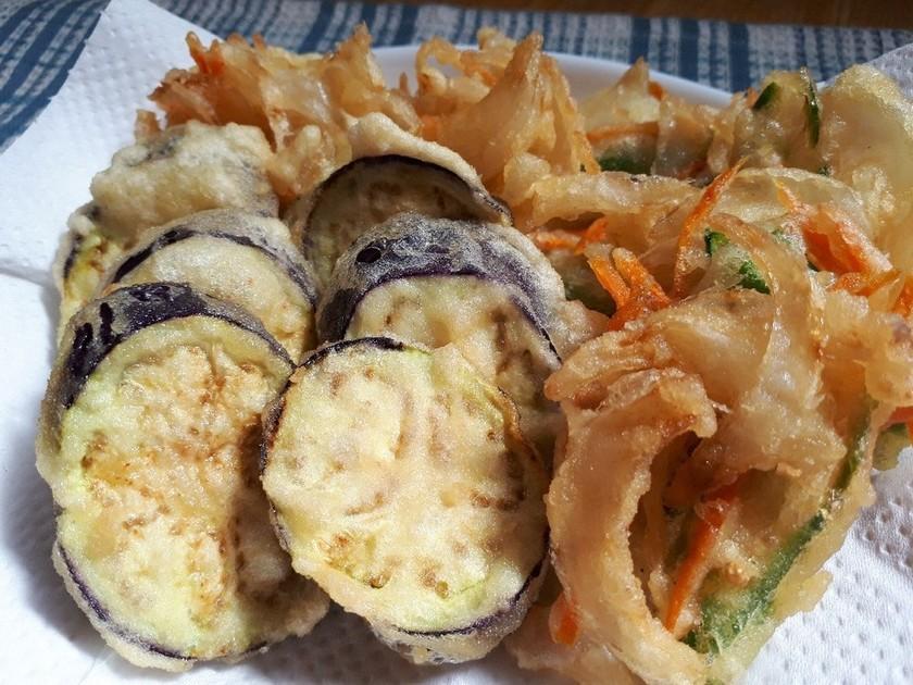 なすの天ぷらと野菜のかき揚げ!