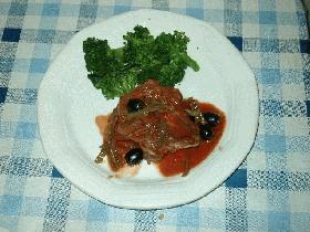 鶏肉とオリーブの赤ワイン煮