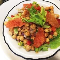カフェのひよこ豆サラダ