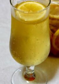 レモンと生姜の蜂蜜漬けソーダ割り