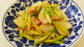 簡単♪山芋とアスパラとベーコンの炒めもの