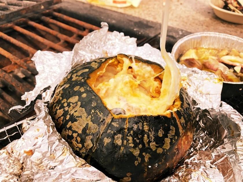 BBQで、カボチャの丸ごとホイル焼き