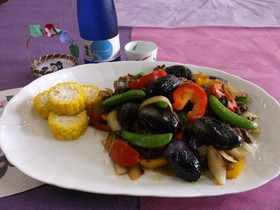 夏野菜とヘタ紫茄子の炒め物