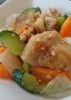 鶏とサチャインチナッツの香草炒め
