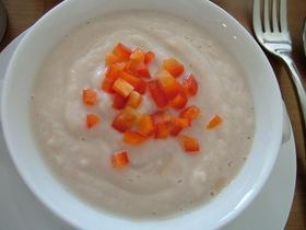 カリフラワーの温スープ