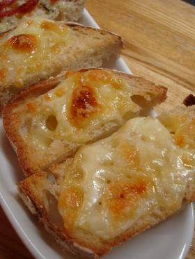 パンとチーズと砂糖