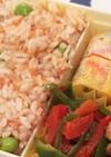 我が家で流行りの鮭と枝豆もち麦ごはん