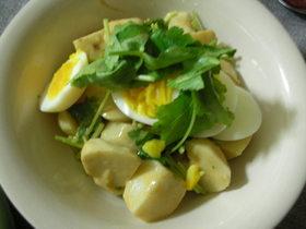 里芋と三つ葉の金ゴマ和風サラダ
