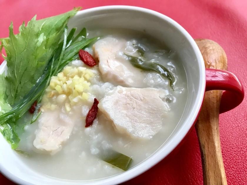 炊飯器にぽいぽい♡サラダチキンで参鶏湯