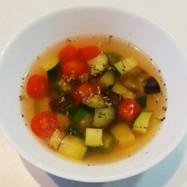 超簡単 夏野菜のコンソメスープ