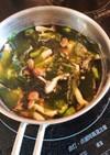 オクラとしめじとワカメのスープ