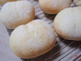 ふわふわしろパン。