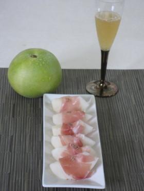 京たんご梨の生ハム添え