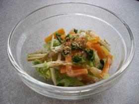 冷蔵庫の残り野菜でOK。温野菜の胡麻和え