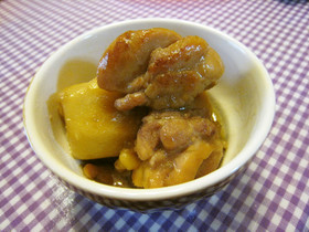 ほっこり美味しい里芋と鶏肉の甘辛煮物