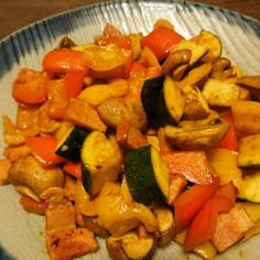 夏野菜のカレー風味炒め