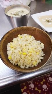 簡単絶品香り濃厚甘々とうもろこしご飯の写真
