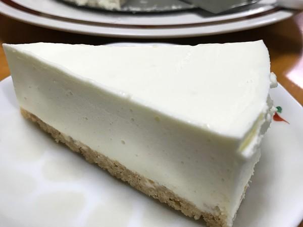 濃厚激うまレアチーズケーキ