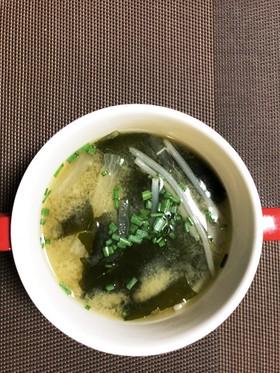 大根とワカメの味噌汁ガーリック