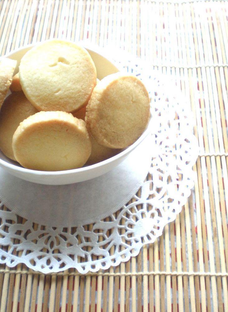 米粉のクッキーほんのりミルク味