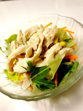 蒸し鶏とレタスのサラダ