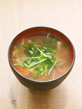 卵とトマトと水菜のスープ