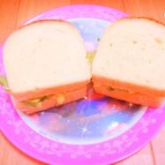 サンドイッチ~卵とツナ入りカレーポテト~