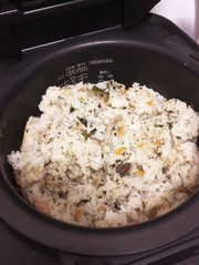 簡単 鯖缶で炊き込みご飯の写真