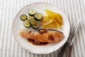 サーモンと野菜のソテー