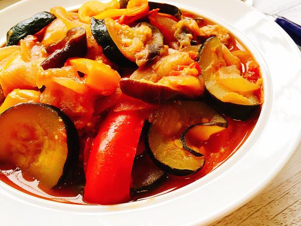 野菜の旨味たっぷり♡簡単絶品ラタトゥイユ