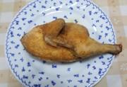 ダッチオーブンで鶏の半身揚げの写真