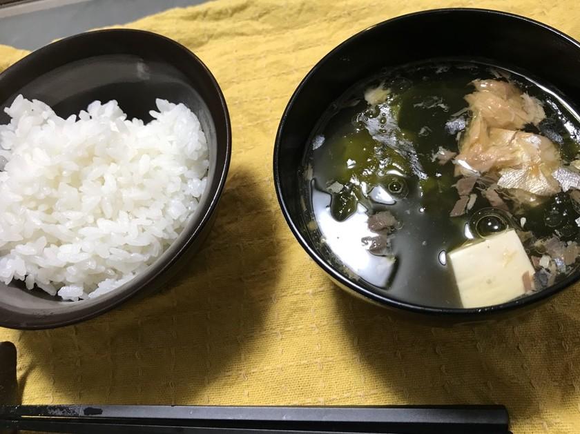 鯖缶まるごとワカメスープ