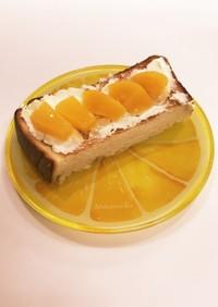 ❁桃の缶詰とクリチのトースト❁