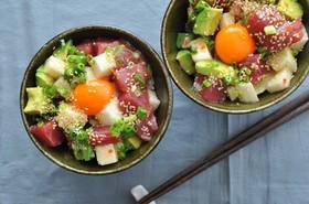 長芋とアボカド&マグロのサラダ丼