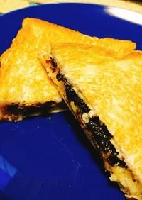 海苔の佃煮とチーズのホットサンド