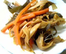 金針菜と人参の煮物