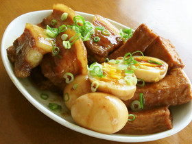 豚バラ肉と厚揚げと半熟卵の炊いたん