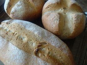 ゴマとくるみのパン・・・イーストのパン