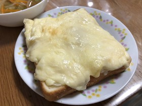 チーズと卵のトースト♪