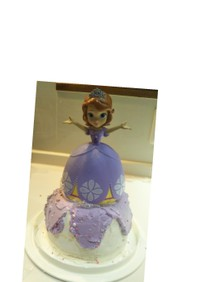 プリンセスソフィアの人形ドールケーキ立体