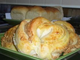 いちご酵母deピーナツクリームパン