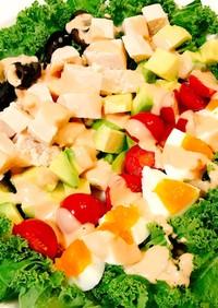 サラダチキンで簡単♡カラフルコブサラダ